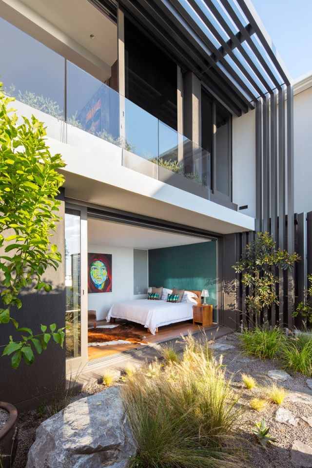 This Modern House With Beautiful Interior Designed For Entertainment 10
