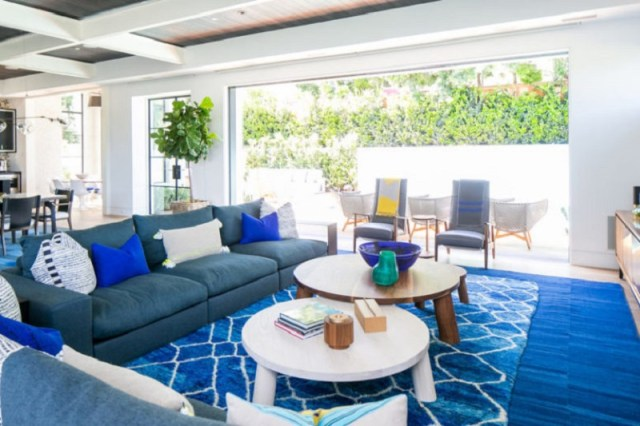A-beach-home-with-modern-taste-to-life-with-high-end-finishes1