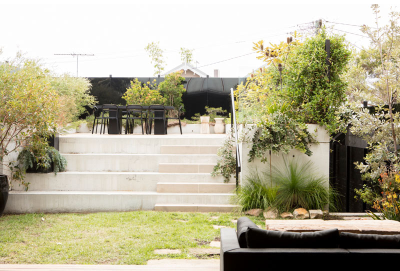A-beautiful-house-with-black-modern-interior-8