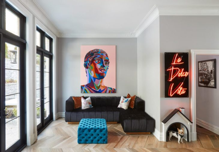 A-dreamy-house-that-merges-a-modern-and-glam-aesthetic-4