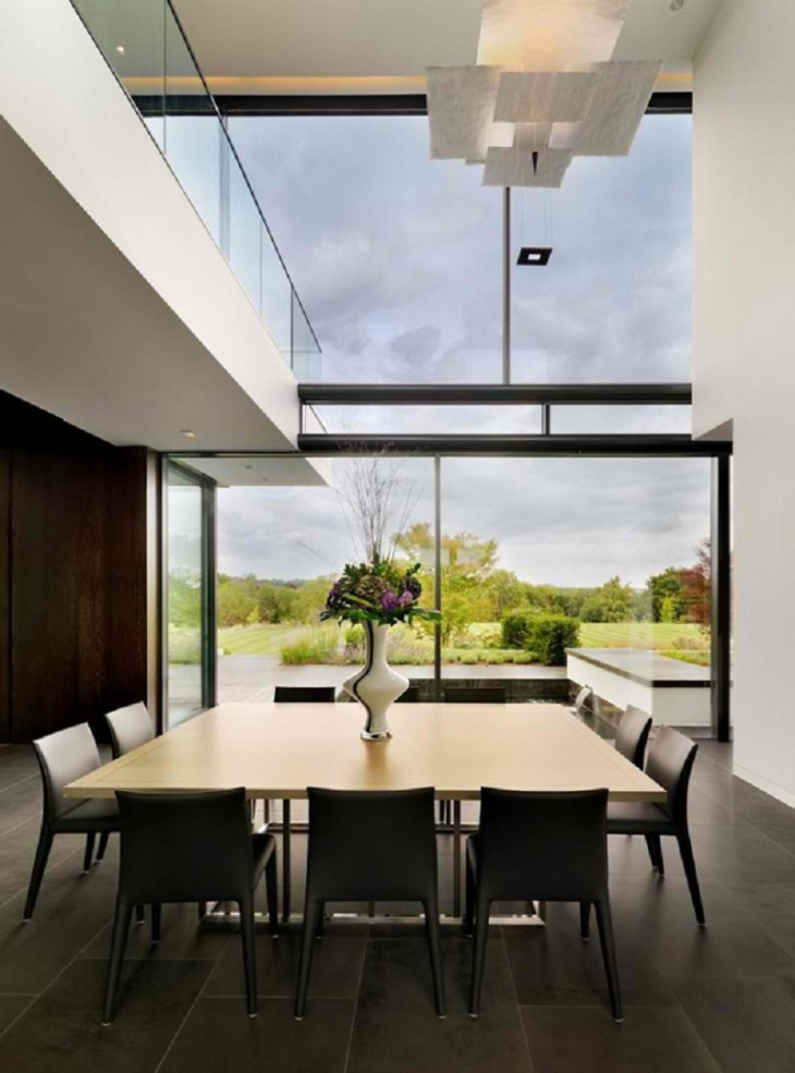 A-modern-country-house-with-magnificent-countryside-views-4