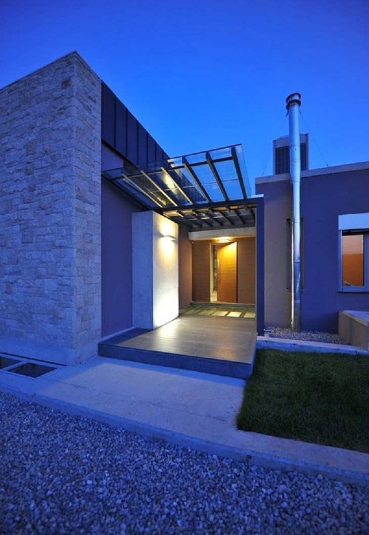 A-modern-one-storey-house-with-basement-that-truly-amazing-3