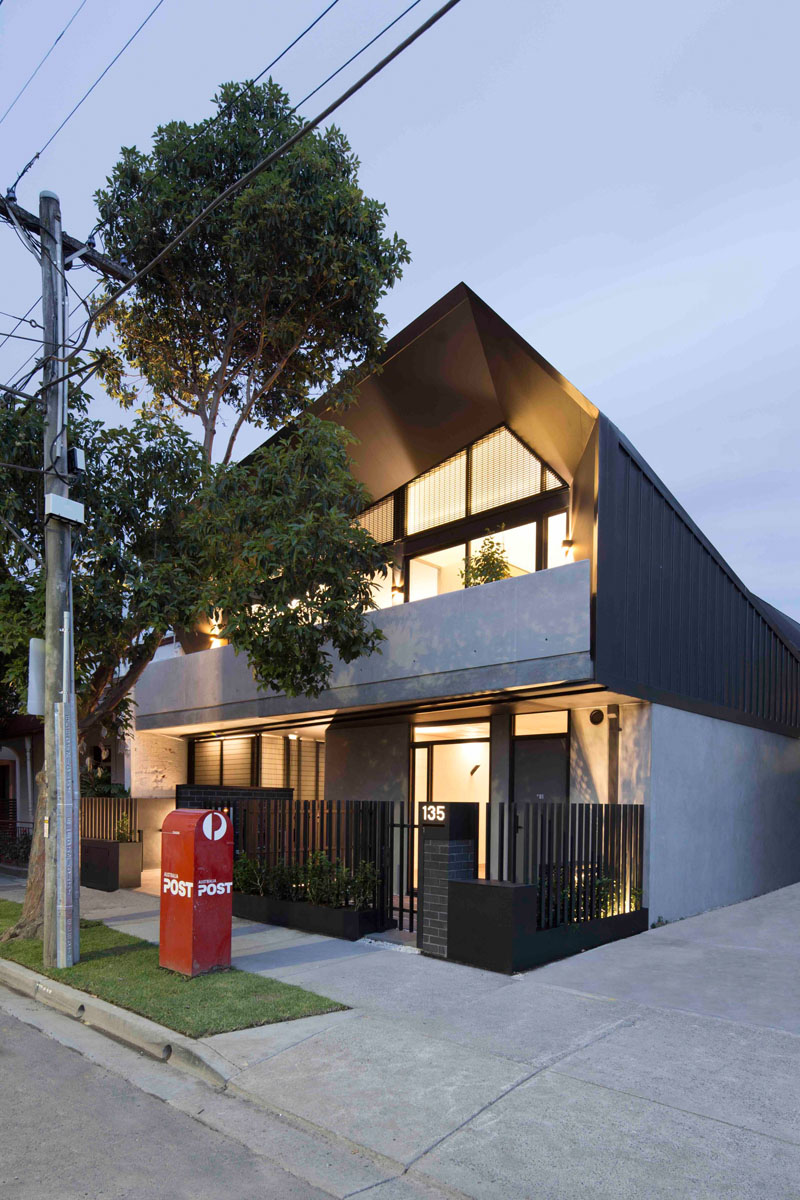 unique-apartment-design-which-appears-as-a-single-dwelling
