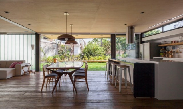 This-new-house-uses-old-materials-but-look-fabulous-5