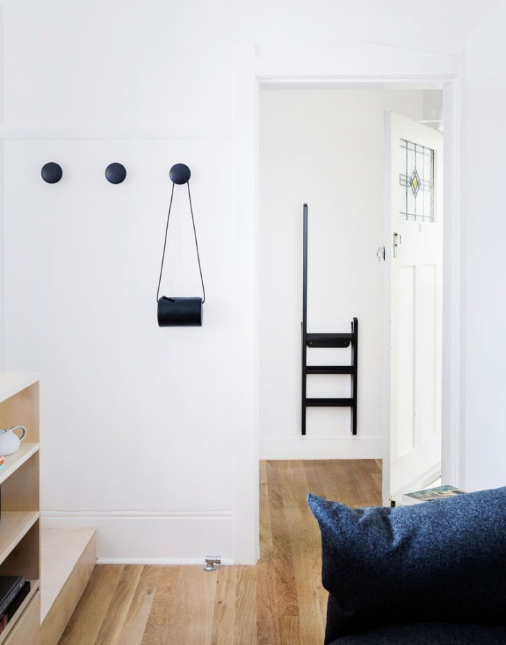 This-small-apartment-has-creative-storage-solutions-to-maximize-the-floor-space-1