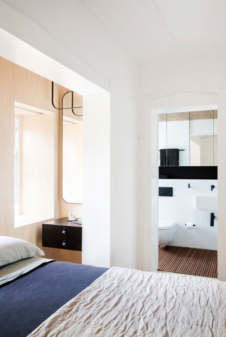 This-small-apartment-has-creative-storage-solutions-to-maximize-the-floor-space-6