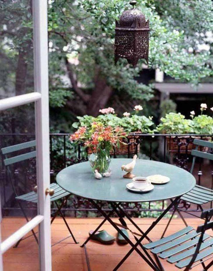 A-morocco-inspired-balcony