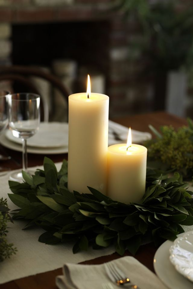 Bay leaf wreath centerpiece Perfectly Impressive Winter Rustic Centerpieces Where Your Guest Can Not Deny