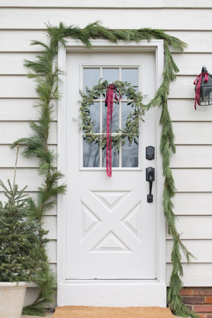 Dainty-decor-for-porch