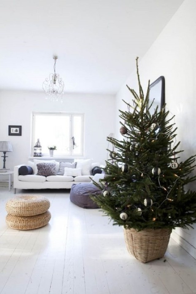 Natural-minimalist-christmas-tree