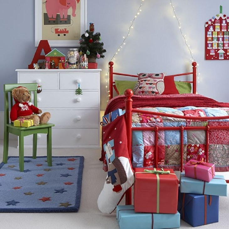 Red and blue Funny Christmas Decoration Ideas For Kids Room To Boost Holiday Spirit