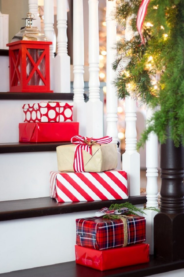 Presents-on-the-steps