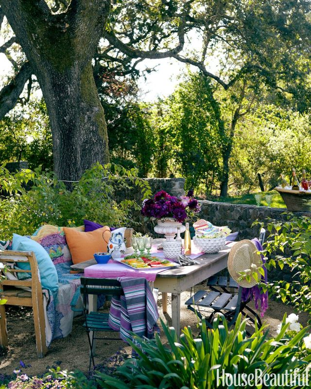 Bring furniture outdoors Refreshing Summer Decoration Ideas To Give You Most Entertaining Space
