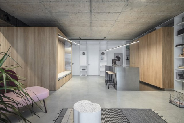 Comfy apartment design with a wooden box for a young family with kids 4