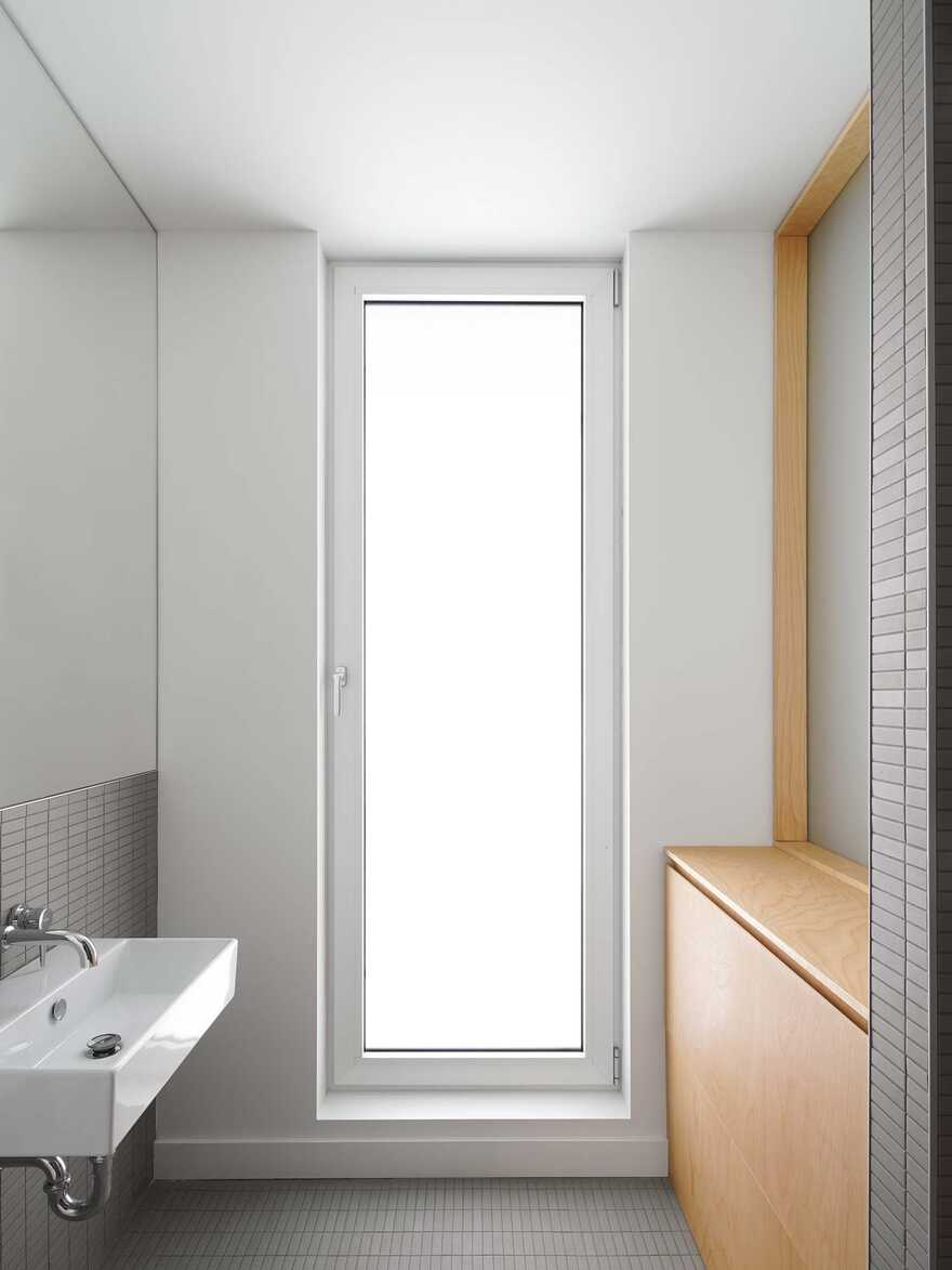 Minimalist house with monolithic architecture to get rest better annd rid our stress 4
