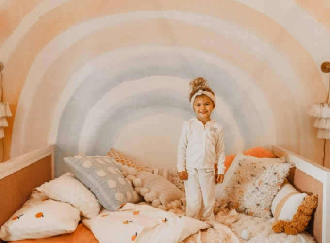 Girls' Pre-Teen Years Room Decoration To Reflect Their Personality In A Fun And Exciting Step