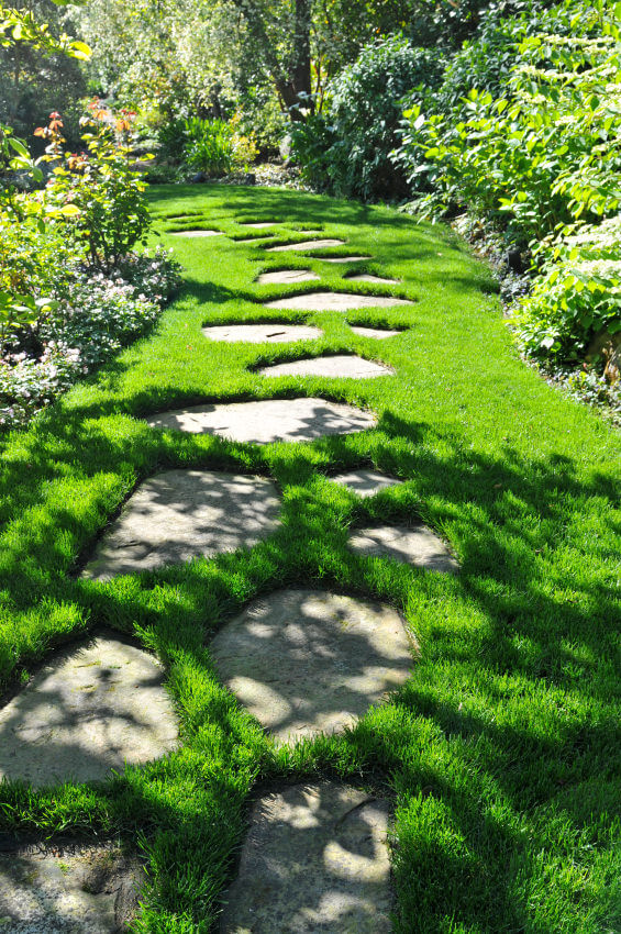 Decorate Your Garden with Stunning Garden Path Ideas by Material
