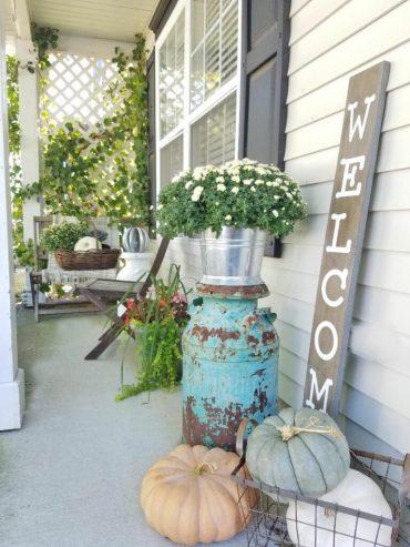 Fall-veranda-decor-768x1024