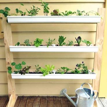 Freestanding-gutter-garden