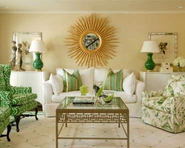 Sunburst-mirror-as-the-absolute-focal-point-of-the-space