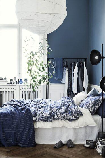 07b-best-navy-blue-bedroom-ideas-designs-homebnc-v2-1024x1536