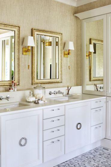 Elegant-gold-bathroom-1564608032