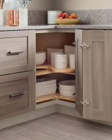 04-baking-dishes-stacked-in-a-corner-storage-space