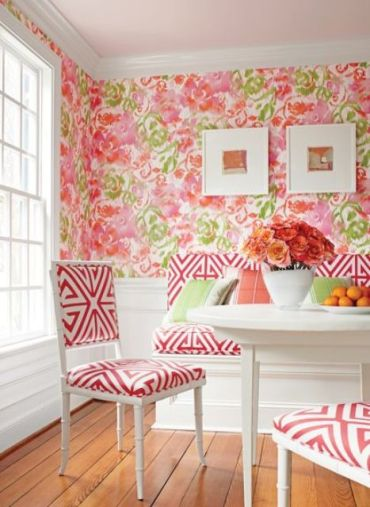 12-bold-pink-and-green-floral-wallpaper-to-make-the-dining-space-more-romantic