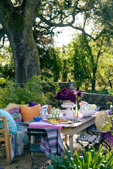 54bf8e3b150ae_-_hbx-colorful-outdoor-dining-table-shubel-0613-xl