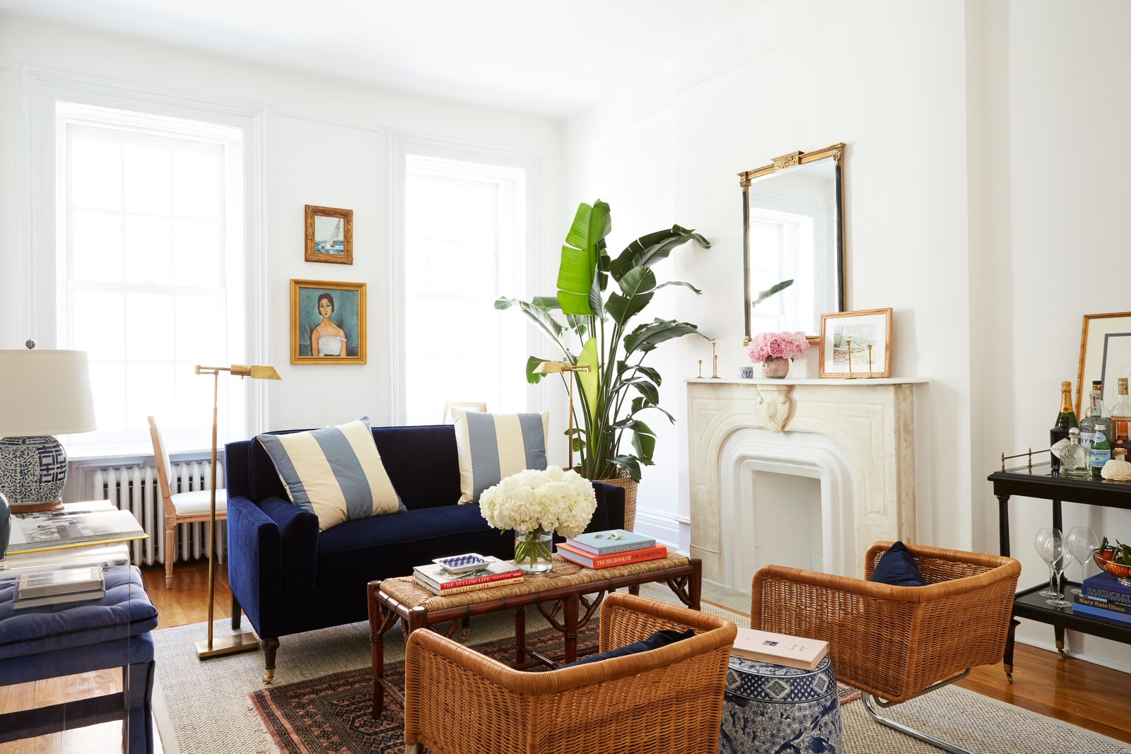 4 Tips to Consider Before Buying Sofas for Your Living Room