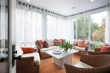 Sheer-curtains-in-white-for-the-modern-sunroom