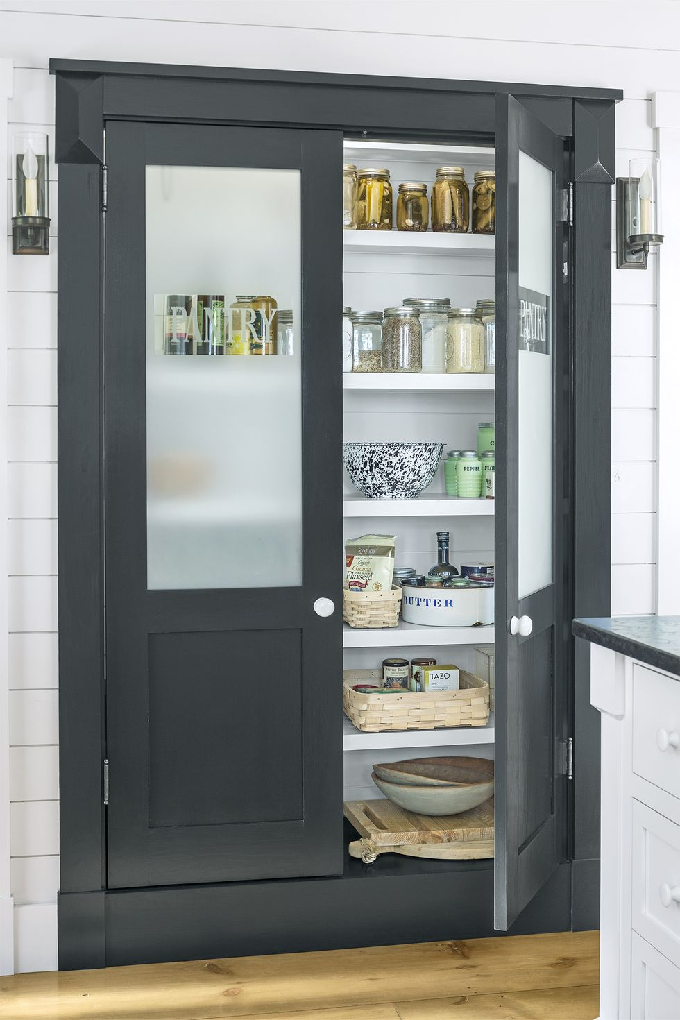 Pantry-organization-ideas-frosted-glass-1580410274