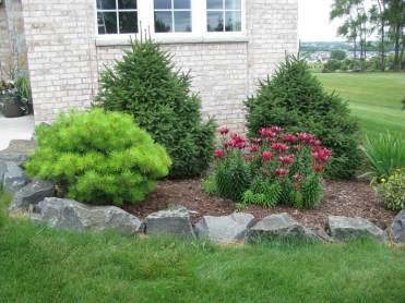 09-lawn-edging-ideas-homebnc