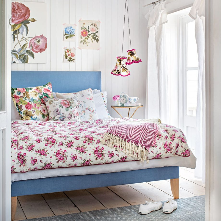 Shabby Chic Bedroom Decorating Ideas for A Coziest and Vintage Nuance