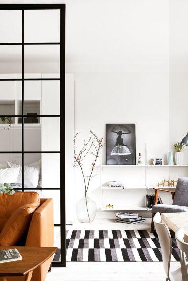 Floating-shelf-ideas-hbx080119glassdoors-004-1591736763