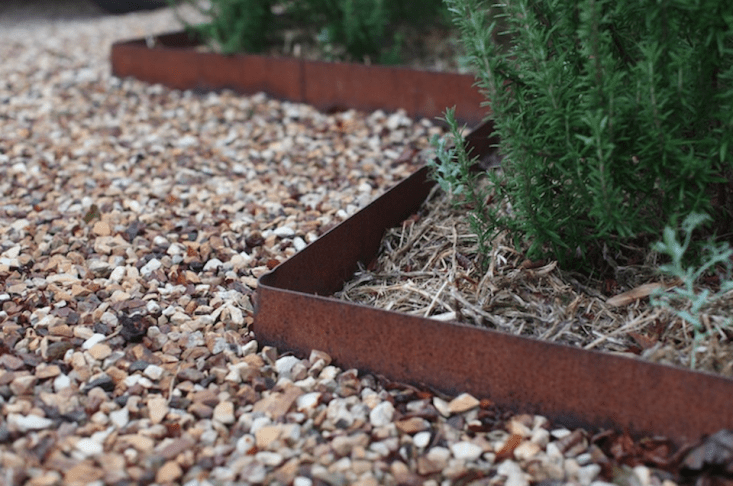 Lawn Edging Ideas to Beautify Your Yard