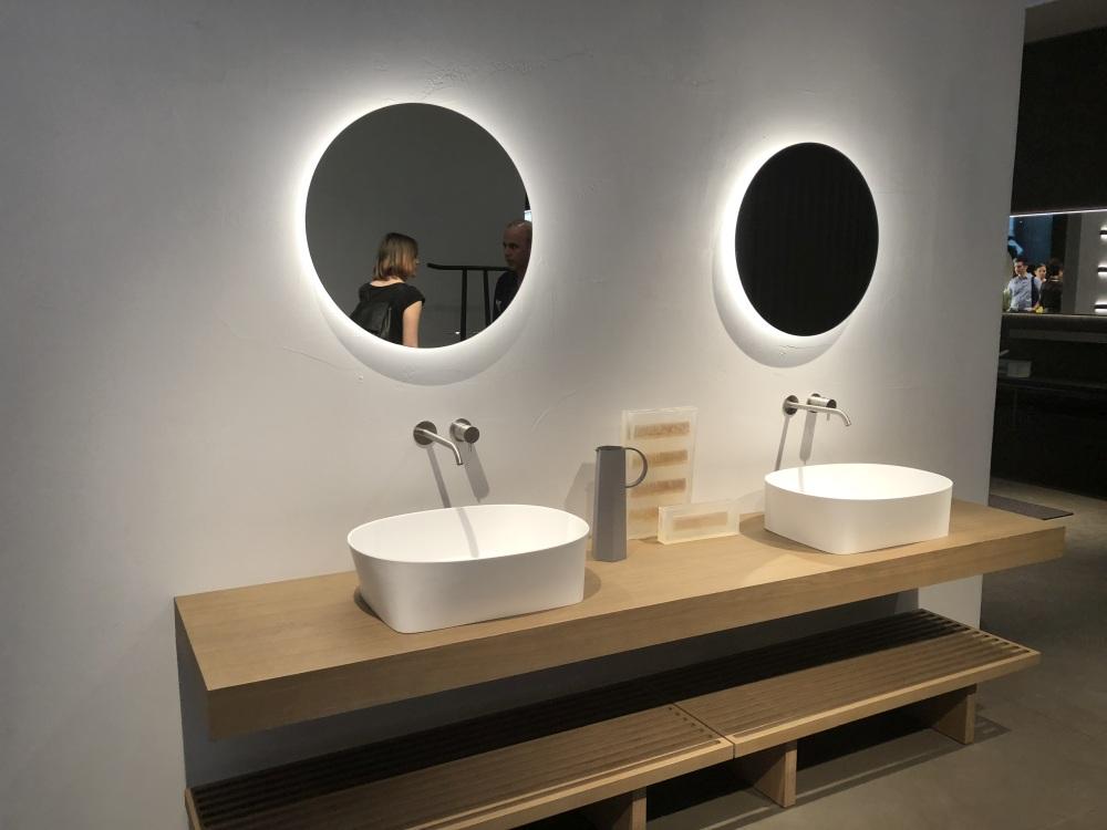 Round Bathroom Mirror Design Ideas to Define the Entire Bathroom Design Scheme