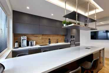 Industrial-black-and-white-kitchen-1