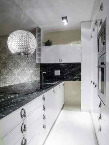 Marble-black-and-white-kitchen-1