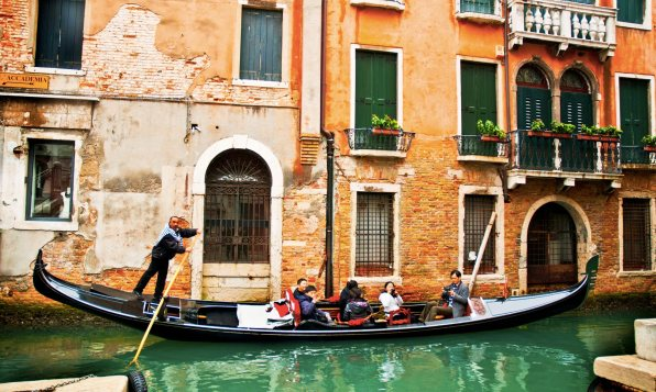 venice-city-gondola-ride