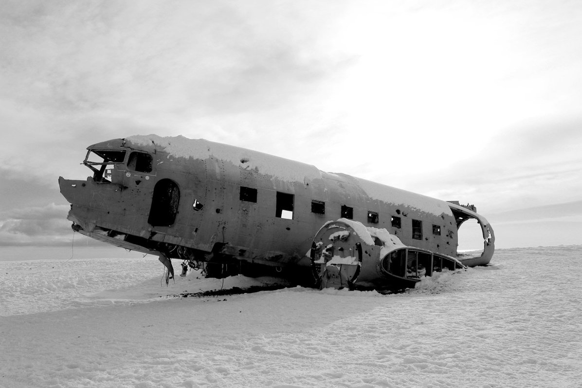 airplane wreckage Iceland