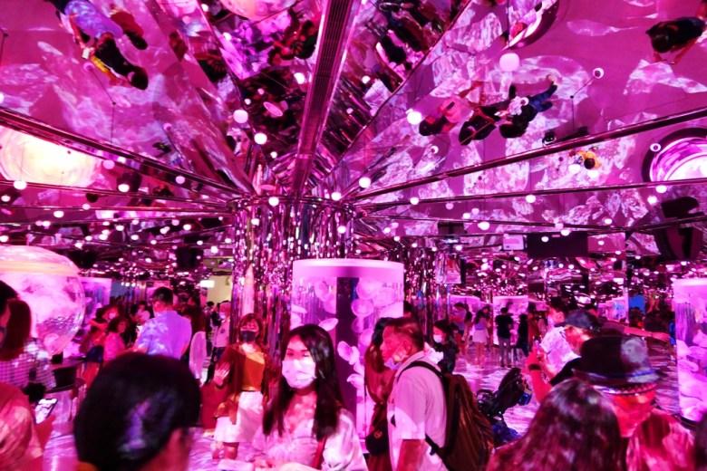 光影炫麗 | 網美熱門拍照景點 | Xpark | Zone 8 | Taiwan | RoundtripJp