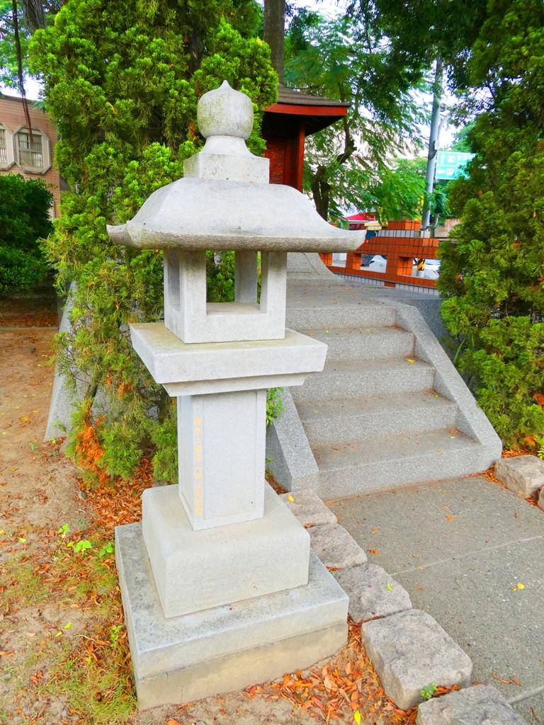 鹽水神社石燈籠 | 鹽水國民小學內 | Yanshuei Shrine | 台南市 | Tainan | 巡日旅行攝