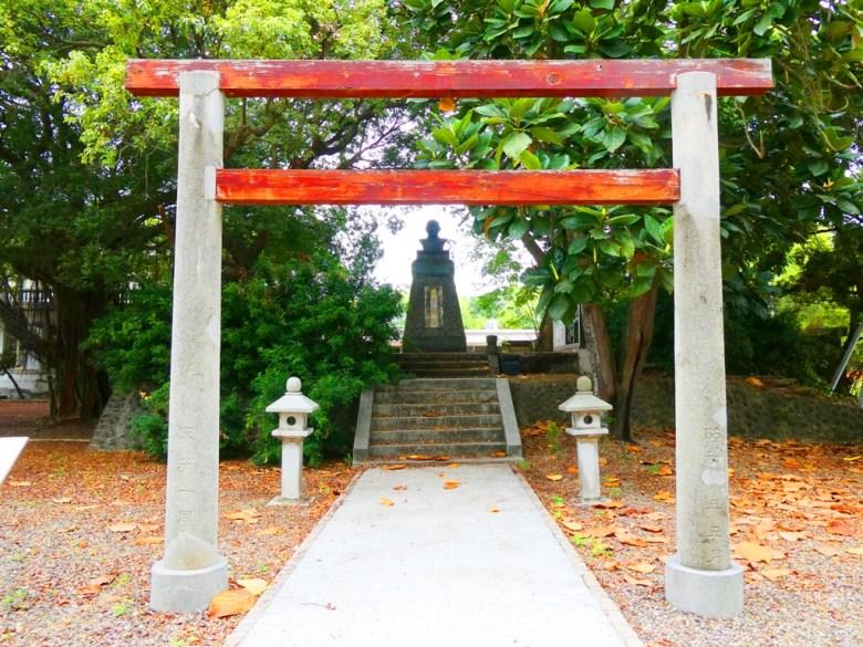 蒜頭神社鳥居 | 蒜頭神社石燈籠 | 蒜頭神社本殿 | 百年老榕樹 | 國父銅像 | 蒜頭 | 六腳 | 嘉義 | 臺灣 | 巡日旅行攝