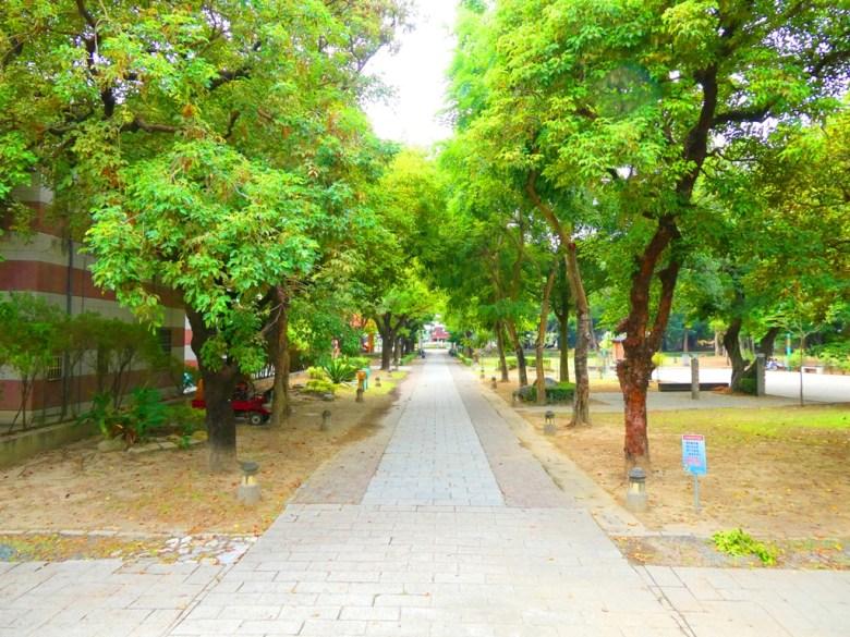 東石神社前參道 | 朴子藝術公園 | Dongshi | Puzi | Chiayi | RoundtripJp