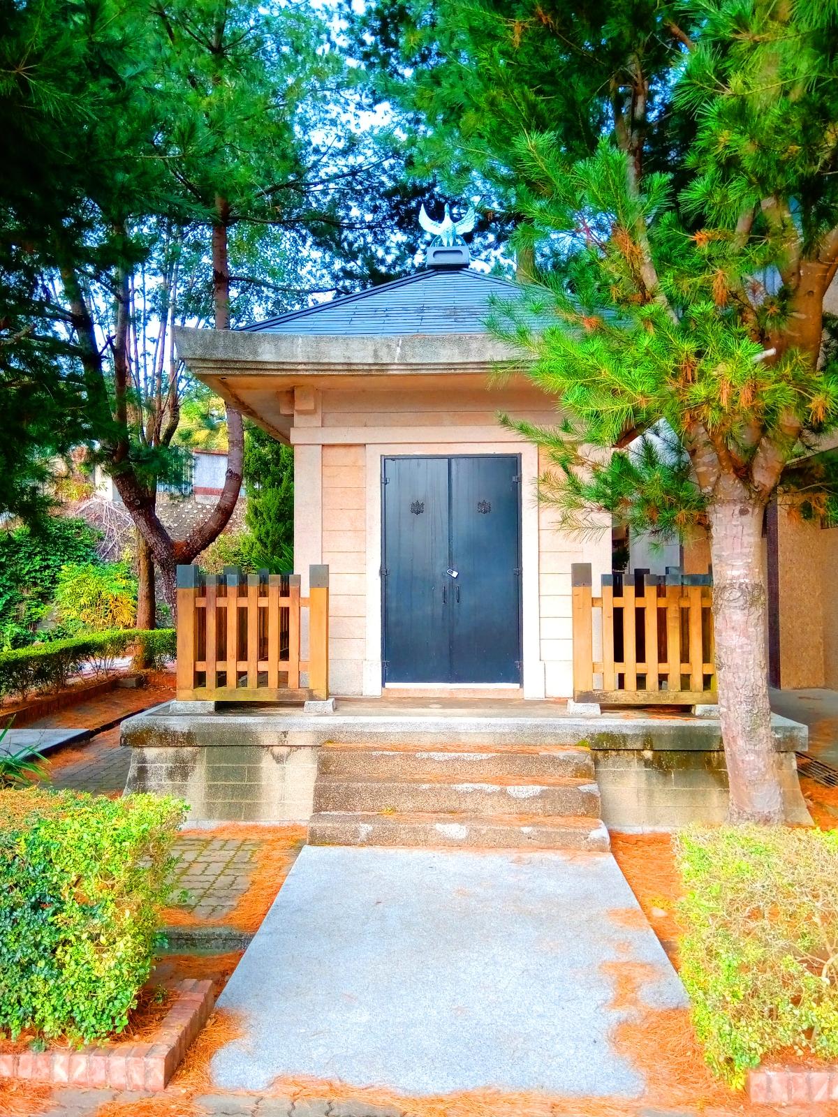 華麗絕美的日本建築 | 日本奉安殿 | 日本味 | 日本鳳凰屋頂裝飾 | 日本桐紋裝飾 | 三義 | 苗栗 | RoundtripJp