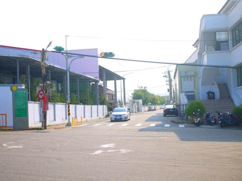 前方為銅鑼工業區 | 左邊為銅鑼環保公園 | 右邊為炮仗花花海 | Wafu Taiwan | Tongluo | Miaoli | 巡日旅行攝