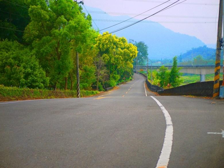 綿延不絕的山路   群山環繞   自然公路   Takeyama   Zhushan   Nantou   RoundtripJp