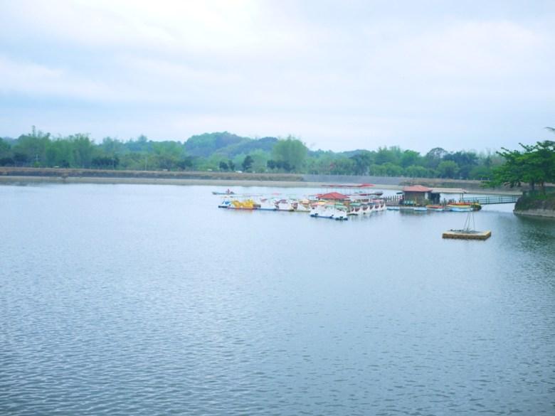虎頭埤湖光山色 | 台灣第一水庫 | 搭船遊埤 | 虎頭埤風景區內 | シンホワ | たいなんし | RoundtripJp