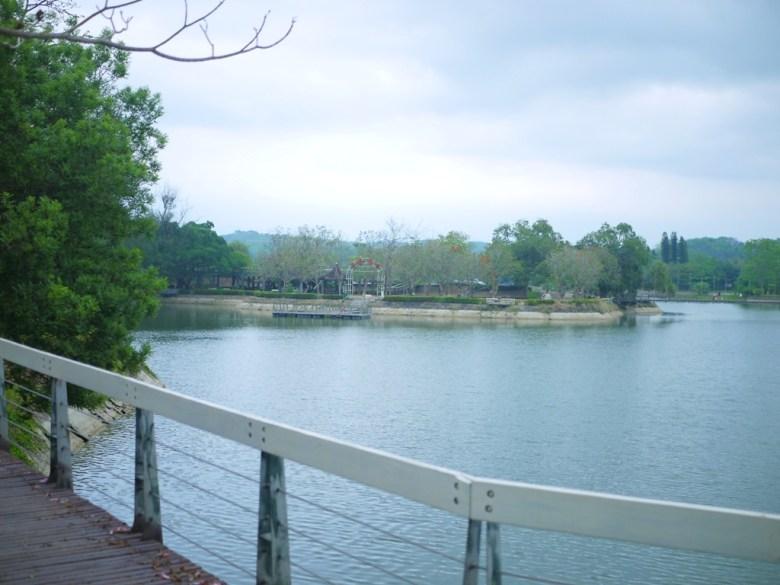 遠眺第二碼頭 | Hu-Tou Pei | 虎頭埤風景區內 | シンホワ | たいなんし | RoundtripJp